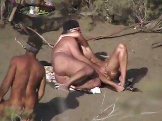 او تنه ایستاده دوست دختر فیلم فول سکسی اینستاگرام خندان خالکوبی خود را مکید.