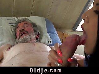 پسر آبنوس روسی یک خروس بزرگ را دانلود رایگان فیلم سکسی اچ دی در سوراخ مقعدی یک بور قرار می دهد