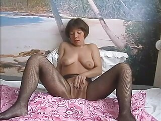 رابطه جنسی مقعدی گیج با یک دختر ناز سوپر سکس فول