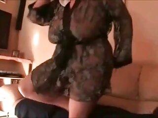 بلوند فاسد اسباب بازی جنسی مورد سکسس فول علاقه خود را در الاغ فرو کرد