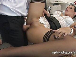 بور کوچک سکس فول اچ دی مقعد از انتخاب بازیگران پورنو قدردانی می کند