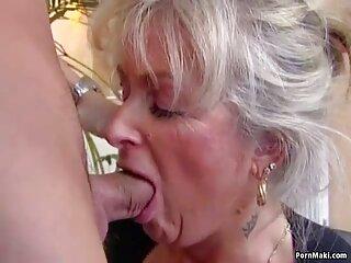 یک فول سیکس سگ پیر یک راهبه چاق را در دهان خود قرار داد