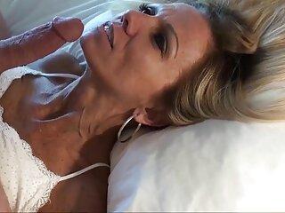 رابطه جنسی با سینمایی فول سکسی زیبایی کاملا بی تجربه ، در عین حال پر هیاهو و امیدوار کننده.