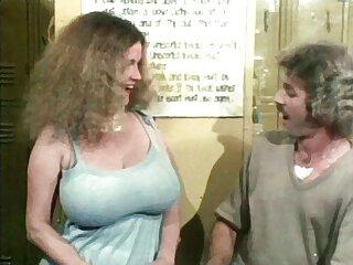 Lovelace قبل از رابطه جنسی مقعدی داغ در روغن ، مقعد Latina را لیس می زند فیلم فول سکسی