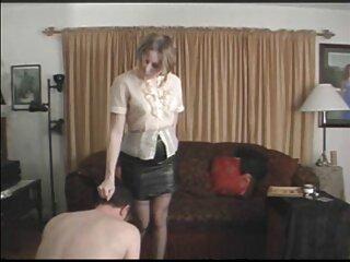 دختر شیرین در دوربین لعنتی می بازی های فول سکسی شود