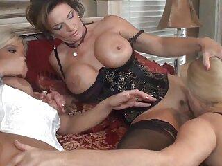 یک عکس های سکسی فول زوج جوان از رابطه جنسی خود مقابل دوربین فیلمبرداری کردند.